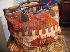 vintage carpet bag. Want! Modarts1 on etsy