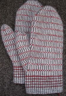 Twined Mittens - Grey These are mittens in the traditional way. The yarn is z-plied wool from Kampes. I used grey as it is traditional. Striped Mittens, Knit Mittens, Knitted Gloves, Knitting Stitches, Hand Knitting, Knit Picks, Knitting Projects, Knit Crochet, Ravelry