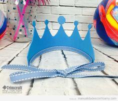 Corona de rey hecha con foamy para cumpleaños infantiles