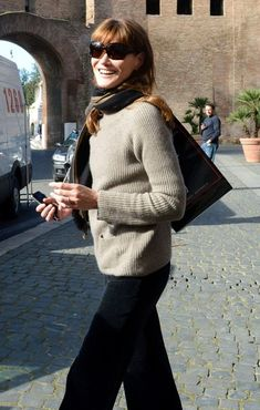 Carla Bruni-Sarkozy is a style I've always admired. Simple, elegant, classy dressy and casual.