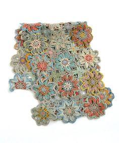 フランス ストール 鍵編み ウール フラワー パッチワーク。sophie digard ソフィーディガール BOHEMIAN RHAPSODY  SMALL Crochet Scarves, Crochet Flowers, Bohemian, Accessories, Crocheted Flowers, Crochet Flower, Boho, Jewelry Accessories