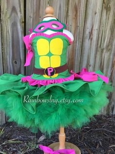 teenage mutant ninja turtle dress Though really I do like it, the top needs to be covered (from me) Turtle Birthday Parties, Ninja Turtle Birthday, Ninja Turtle Party, Ninja Turtles, 4th Birthday, Birthday Ideas, Halloween Costume History, Halloween Costumes Plus Size, Halloween Kids