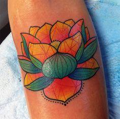 follow the colours neotradicional tattoo friday Katie Shocrylas flor de lótus