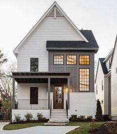 House Paint Exterior, Exterior House Colors, Exterior Design, Grey Exterior, Facade Design, Modern Farmhouse Exterior, Farmhouse Design, Colonial Exterior, Small Modern House Exterior