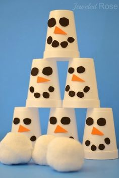 Snowman Slam Game - my kids have been having so much fun with this EASY TO MAKE game {Frugal fun for Winter}