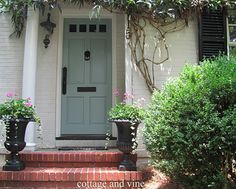 Door: Wythe Blue, Benjamin Moore paint