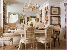 The lovely French Country style can work in today& modern homes. This style has fanciful elements mixed with things to take it down a n. French Country Dining, French Country House, French Cottage, Country Farmhouse, French Country Colors, French Country Interiors, Rustic French, Cottage Style, Farmhouse Decor