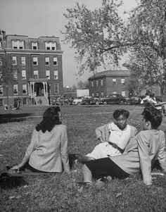 Black students at Howard University featured in Life Magazine (c. 1946)