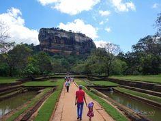 Die Festungsruine von Sigiriya ist einzigartig. Oder wo findest Du sonst eine Festung auf einem 200 Meter hohen erloschenen Vulkan? Sieh selbst!