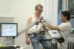 Johan Anseth puster ud oven på cykelturen. Efter et hjerte-anfald i 2015 tager den 68-årige pensionist dagligt kolesterolsænkende medicin. Men »der skal være plads til en god kage eller sovs en gang imellem«.