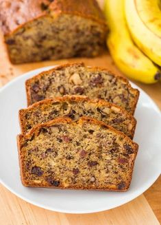 This Banana Bread Recipe is loaded with ripe bananas, tangy sweet raisins and toasted walnuts making it a banana nut bread. One of our favorite ripe banana recipes and even better with overripe bananas! This banana nut bread is super moist, easy and makes Banana Bread Recipe Video, Ripe Banana Recipe, Nut Bread Recipe, Banana Bread Recipes, Banana Walnut Bread, Moist Banana Bread, Chocolate Chip Banana Bread, Banana Nut, Banana Bread Ingredients