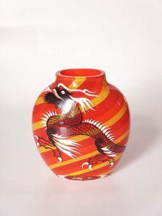 Harrach Tri-color Tango Dragon Vase 3