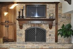 Fireplace screen/glass for fireplace. Fireplace Doors, Fireplace Remodel, Family Room Design, Cozy Place, Home Remodeling, New Homes, Traditional, Living Room, Crazy Horse