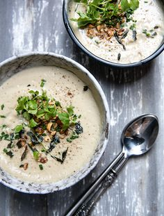cauliflower + hazelnut soup with fried sage - what's cooking good looking - a healthy, seasonal, tasty food and recipe journal Soup Recipes, Vegetarian Recipes, Cooking Recipes, Healthy Recipes, What's Cooking, Vegetarian Barbecue, Vegan Soups, Vegetarian Cooking, Healthy Tips