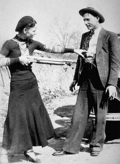 """""""This here's Miss Bonnie Parker. I'm Clyde Barrow. We rob banks."""" ~Chasing Bonnie Clyde It was Texas Lawmen that brought them down! Bonnie Parker, Bonnie Clyde, Bonnie And Clyde Tattoo, Bonnie And Clyde Death, Rare Photos, Vintage Photographs, Old Pictures, Old Photos, Famous Pictures"""