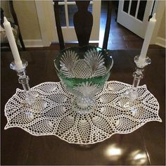 All of us love crochet doilies and more so if they are pineapple crochet doily patterns and that too free, have a look here and start one today Filet Crochet, Crochet Chart, Thread Crochet, Free Crochet Doily Patterns, Crochet Motif, Crochet Designs, Free Pattern, Pineapple Crochet, Pineapple Pattern