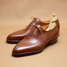 91e4d2b047c Oxford apron front in mid brown calf  hiroyanagimachi  bespokeshoes Gq  Style