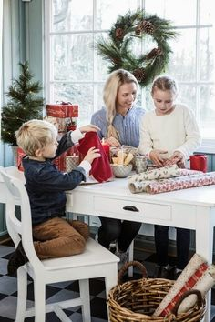 Christmas Cottage: The best of all gifts around any Christmas tree: the presence of a happy family all wrapped up in each other. Welcome To Christmas, Christmas Mood, Christmas Kitchen, Noel Christmas, Christmas Morning, A Christmas Story, Little Christmas, Country Christmas, Christmas Photos