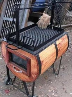 Barbecue grill based on a Madera barrel Barrel Smoker, Barrel Bar, Wine Barrel Diy, Barrel Sink, Wine Barrel Furniture, Barrel Projects, Wood Oven, Backyard Bar, Rocket Stoves