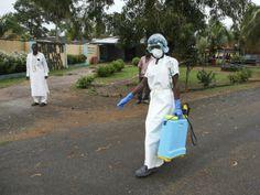Γιατροί Χωρίς Σύνορα: Ανεξέλεγκτη εξάπλωση του ιού Έμπολα