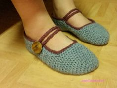 virkatut tossut - crocheted slippers
