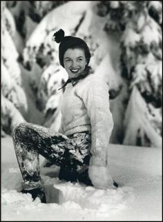 Norma Jean Baker - (Marilyn Monroe), Vintage Hollywood Christmas