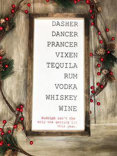 Christmas Wood, Funny Christmas, Christmas Signs, Christmas Decorations, Xmas, Pinterest Christmas Crafts, Farmhouse Frames, Wood Signs, Rustic Signs