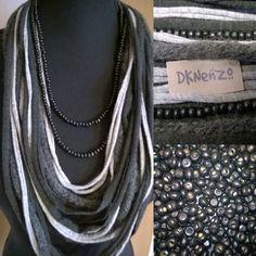 Sjaal Ketting in zwart en grijstingen met een wollen item en 1 losse zwarte Kralenkettin. door DKNenzo op Etsy