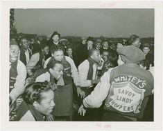 Amusements - Dance - Savoy dancers From New York Public Library Digital Collections. Swing Jazz, Swing Dancing, Lindy Hop, 1940s, East Coast Swing, Black Dancers, Harlem New York, Black History Books, Dance Instructor