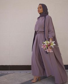 Muslim Fashion 429882726932064288 - Hijab + Monochrome Flow + Purple (niaamroun) Source by Modest Fashion Hijab, Modern Hijab Fashion, Hijab Fashion Inspiration, Abaya Fashion, Fashion Outfits, Monochrome Fashion, Trendy Fashion, Hijab Wedding Dresses, Modest Dresses