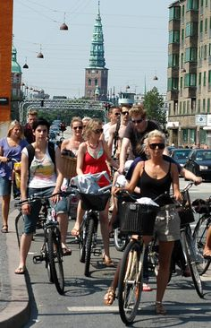 Cyclists are also city life | Copenhagen Denmark | Shared from http://hikebike.net