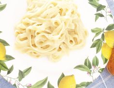 Macarrão com molho de parmesão. | 10 receitas de uma panela só para apaixonados por macarrão