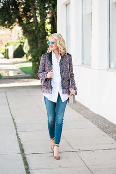 The cutest Ann taylor fringe tweed jacket for spring, great everyday outfit idea, must-have jacket for spring, layering in the spring/summer @thestyleeditrix
