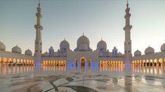 Sunset in Sheikh Zayed Mosque in Abu Dhabi, United Arab Emirates