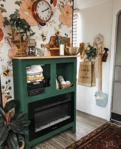 27 Country Cottage Style Kitchen Decor Ideas to Make You Fall in Love with Your Kitchen Again - The Trending House Porch Wall Decor, Room Decor, Vintage Porch, Shabby Chic, Retro Home Decor, Trends, Eclectic Decor, Porch Decorating, Country Decor