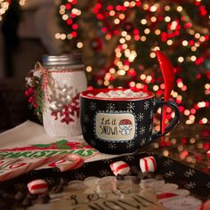 Snow Pals - Let it Snow! Ceramic Soup Bowl Mug with Spoon Christmas Themed Kitchenware Merry Christmas, Christmas Time Is Here, Christmas Mood, Christmas Themes, Christmas Wedding, Christmas Lights, Christmas Decorations, Santa Baby, Mistletoe And Wine