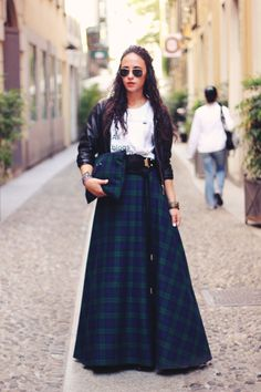 I want a skirt that is floor length even when pulled up to high waist. Not with a slit, not tight. A full circle skirt-like thing. I guess I'm going to have to make one.