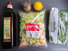 Mijn mixed kitchen: Lahmacun (zelfgemaakte Turkse pizza) Snack Recipes, Snacks, Chips, Pizza, Vegan, Food, Salad, Tapas Food, Appetizer Recipes
