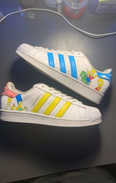 Custom made Simpsons adidas shoes Shoe has crease and was worn Size 8 Asking 50 but shoot me offers All Nike Shoes, Hype Shoes, Adidas Shoes, Adidas Superstar, Custom Vans Shoes, Custom Painted Shoes, Rain Boots Fashion, Baskets, Superstars Shoes