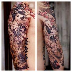 Geisha + spiral effect! Geisha Tattoos, Geisha Tattoo Sleeve, Geisha Tattoo Design, Irezumi Tattoos, Japanese Tattoo Art, Japanese Tattoo Designs, Japanese Sleeve Tattoos, Unique Tattoos, Cool Tattoos