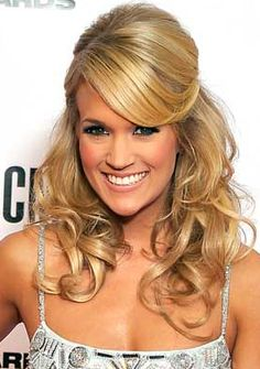 Carrie Underwood: Blonde highlights half up half down curls and thicker looking hair