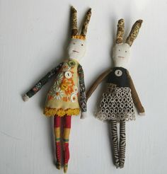 Thread and Thrift - Mandy Pattullo,  Artist website with some beautiful pieces created from vintage fabrics and needlework.