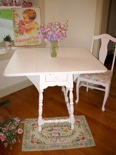 reminds me of my grandmothers kitchen table---we had many laughs and happy times sitting at her table