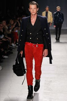 Runway: Balmain X H&M Collection - Male Fashion Trends H&m Fashion, Male Fashion Trends, Fashion Show, Seoul Fashion, Fashion Suits, Fashion Week Hommes, Mens Fashion Week, Francisco Lachowski, Backstreet Boys