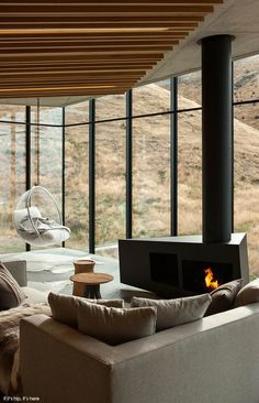 The Seascape Retreat in New Zealand by Pattersons Assoc. Architects is a secluded cottage with modern decor, rocky coastline views and is available to rent.