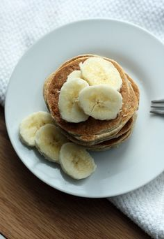 Quick and easy vegan pancakes that are cakey, delicious, and filling. No added sugar or oil!