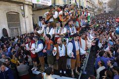 ¡Ya queda menos para que el Carnaval inunde las calles de Cádiz! / The Carnival will be soon in the streets of Cadiz!