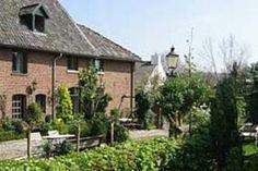 Limburg, Gulpen; Appartement met karakter te huur aangeboden. Biedt ruimte aan maar liefst 6 personen.