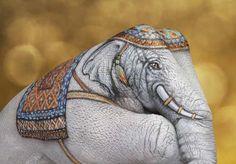 Wow....Elephant hand art by Guido Daniele repinned by www.BlickeDeeler.de