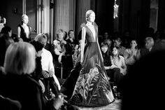 Le final du défilé Valentino haute couture printemps-été 2014